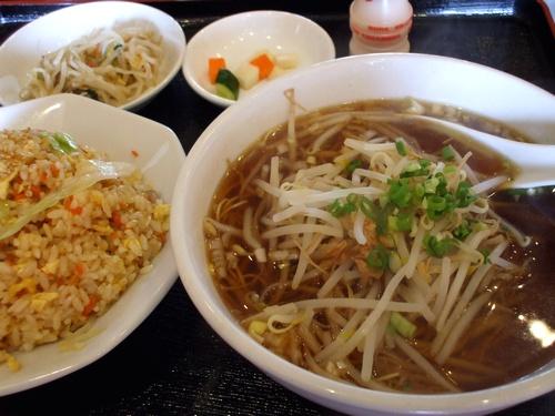 萬福楼(東那珂):麻婆麺/ラーメンと五目炒飯セット